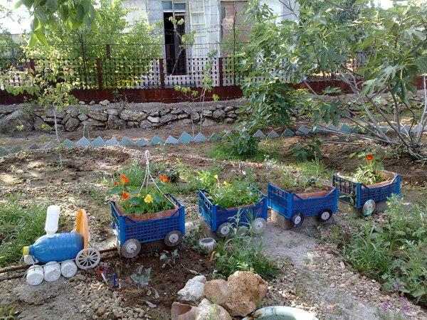 Как оформить садик своими руками